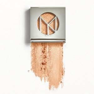 IL MAKIAGE Eye Shadow in Eyes on the Prize